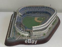 2003 Danbury Mint Yankee Stadium Replica w LIGHTS New York Yankees Lighted Model