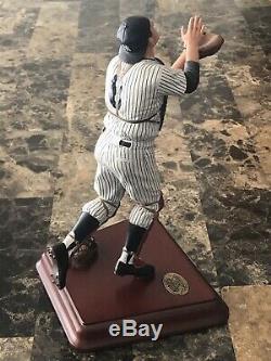 Danbury Mint New York Yankees Yogi Berra Mlb Replica Statue Figurine Stadium