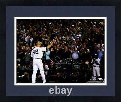 Frmd Mariano Rivera New York Yankees Signed 16 x 20 Yankee Stadium Photo