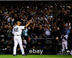 Mariano Rivera New York Yankees Autographed 16 x 20 Yankee Stadium Photograph