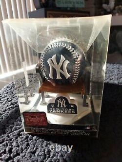New York Yankees Collectible Baseball with Stadium Seat Stand RARE HTF! Rawlings