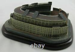 The Danbury Mint Yankee Stadium Replica New York Yankees Figure Statue Figurine