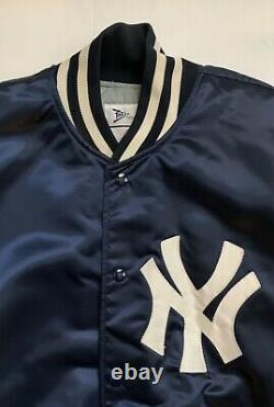 Vintage Felco New York Yankees Size XL Satin & Quilted Stadium Jacket NICE